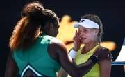 Serena Williams steht nach einem lockeren Sieg über Dajana Jastremska bei den Australian Open im Achtelfinale