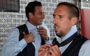 Claudio Pizarro (l.) erhält am Freitag den Sport-Bambi