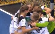 Die deutschen Handball-Frauen haben einen knappen Sieg gefeiert