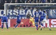 Schalkes Nabil Bentaleb traf zuletzt zweimal gegen Manchester City vom Elfmeterpunkt.