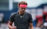 Tennis in Shanghai: Alexander Zverev besiegt Nikolos Basilaschwili, Alexander Zverev freut sich über seinen Achtelfinaleinzug in Shanghai