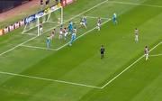 Anthony Ujah erzielt das 1:1 für den 1. FC Köln