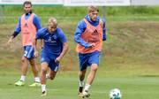 Lewis Holtby (M.) und Aaron Hunt zählen zu den Besserverdienern beim Hamburger SV