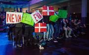 """Fans von OG jubeln in Frankfurt beim Dota-2-Turnier """"Frankfurt Major"""""""