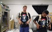 Javi Martinez (l.) und Thiago waren zu Gast bei der NASA