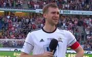 Fußball: Per Mertesacker mit emotionaler Abschiedsrede  zum Karriereende
