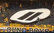 Die Fans der Young Boys Bern und des FC Basel demonstrieren gemeinsam gegen den eSports