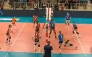 Allianz MTV Stuttgart (in blau) durfte sich über einen Sieg gegen Wiesbaden freuen