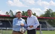 Jonas Stratmann (TSV Oftersheim) und Jürgen Machmeier (SVS-Präsident)