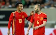 Thiago spielt mit Andres Iniesta im spanischen Nationalteam