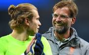 Loris Karius (l. mit Jürgen Klopp) steht beim FC Liverpool noch bis 2021 unter Vertrag