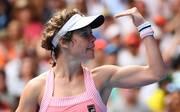 Laura Siegemund freut sich nach ihrem Sieg gegen Victoria Asarenka