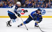 Die St. Louis Blues (r.) stehen im Playoff-Viertelfinale der NHL