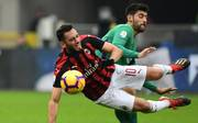 Hakan Calhanoglu (l.) wechselte 2017 von Bayer Leverkusen zum AC Mailand