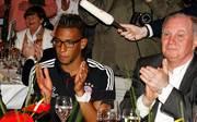 Bayern-Präsident Uli Hoeneß ist der Ansicht, dass Jérôme Boateng seine Karriere besser nicht in München fortsetzt