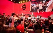 Die Shanghai Dragons beim Einzug in die Arena