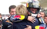 Er hat es geschafft: Moto3-Pilot Sandro Cortese ist zum ersten Mal Weltmeister. Der Helm wird nach dem Rennen sofort angepasst. SPORT1 zeigt die Bilder seiner Karriere