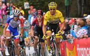 CYCLING-FRA-TDF2019 Thibaut Pinot (l.) und Julian Alaphilippe (r.) könnten für dne ersten französischen Tour-Sieg seit Bernard Hinault sorgen