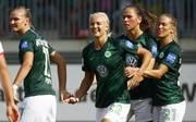 Pernille Harder (Mitte) steuerte zwei Tore zum Sieg des VfL Wolfsburg bei