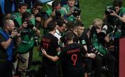 WM 2018: Fotograf unter Kroatien-Jubeltraube bekommt Kroatien-Urlaub geschenkt