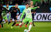 Wolfsburgs Verteidiger Paul Verhaegh erzielte zum 16. Mal in Folge ein Tor per Elfmeter