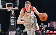 In der Summer League spielt Hartenstein für die Houston Rockets