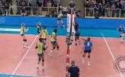 Der SSC Palmberg-Schwerin (in gelb) hat das Spiel gegen Wiesbaden gewonnen