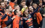Can Öncü feiert mit seinem Team den sensationellen Sieg