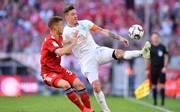 Max Kruse (r.) verletzte sich am Samstag gegen den FC Bayern