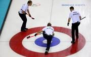 Die deutschen Curler haben bei der WM in Kanada zwei weitere Niederlagen kassiert