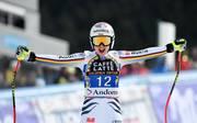 Ski alpin: Viktoria Rebensburg gewinnt Super-G in Soldeu, Viktoria Rebensburg bejubelt in Soldeu ihren Sieg im Super-G