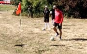 VfB Stuttgart: Mario Gomez & Co. spielen im Training Footgolf