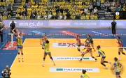 Die Schwerinerinnen (in gelb) durften sich über einen Sieg gegen Dresden freuen
