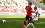 Linda Dallmann trifft gegen Österreich per Elfmeter