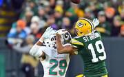 Equanimeous St. Brown von den Green Bay Packers sorgte gegen die Miami Dolphins mit einem fiesen Hit für Aufsehen