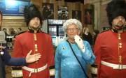 Die Darts-Fans im Ally Pally überraschen immer wieder mit neuen verrückten Outfits