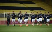 Die Spieler von Fenerbahce Istanbul warteten im leeren Stadion vergeblich auf den Gegner