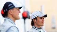 Nico Rosberg (r.) fuhr gemeinsam mit Michael Schumacher für Mercedes