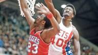 Harvey Catchings (r.) spielte in einem NBA-Spiel für zwei verschiedene Teams