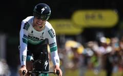 Maximilian Schachmann hat sich bei einem Sturz bei der Tour de France an der linken Hand verletzt
