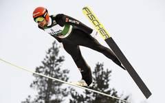 Johannes Rydzek wurde zum Saisonauftakt Dritter in Kuusamo