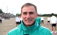 Nationaltrainer Stefan Kuntz erklärt die Besonderheiten der deutschen U21