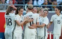 Germany Women's v Czech Republic Women's - 2019 FIFA Women's World Championship Qualifier