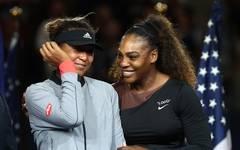 US-Open-Siegerin Naomi Osaka: Keine Kritik an Serena Williams, Naomi Osaka (links) gewann die US Open gegen Serena Williams