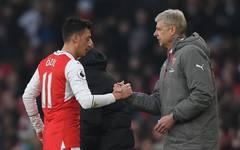 Arsene Wenger: Mesut Özil beim FC Arsenal in Komfortzone gerutscht  , Mesut Özil und Arsene Wenger arbeiteten seit 2013 gemeinsam beim FC Arsenal