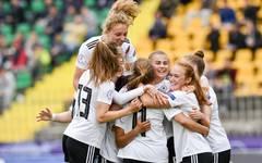 Frauen, U17-EM: Deutschland nach Sieg über Portugal im Finale, Die deutschen U17-Frauen freuen sich über den Einzug ins EM-Finale