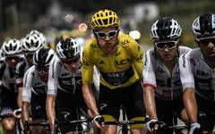 Geraint Thomas (M.) gewann überraschend die Tour de France