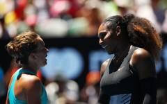 Barbora Strycova (l.) ist mit dem Verhalten von Serena Williams im Finale der US Open nicht einverstanden