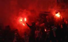 Immer wieder sorgen Bengalos bei Fußballspielen für Ärger
