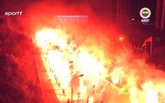 Pyrotechnik: Fans von Fenerbahce Istanbul verabschieden ihr Team vor dem Derby